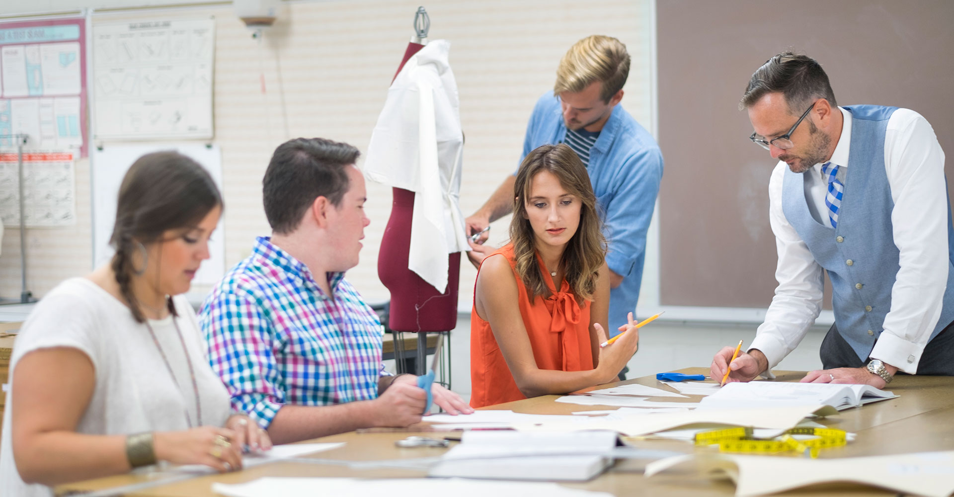 What Is Fashion Retailing And Merchandising